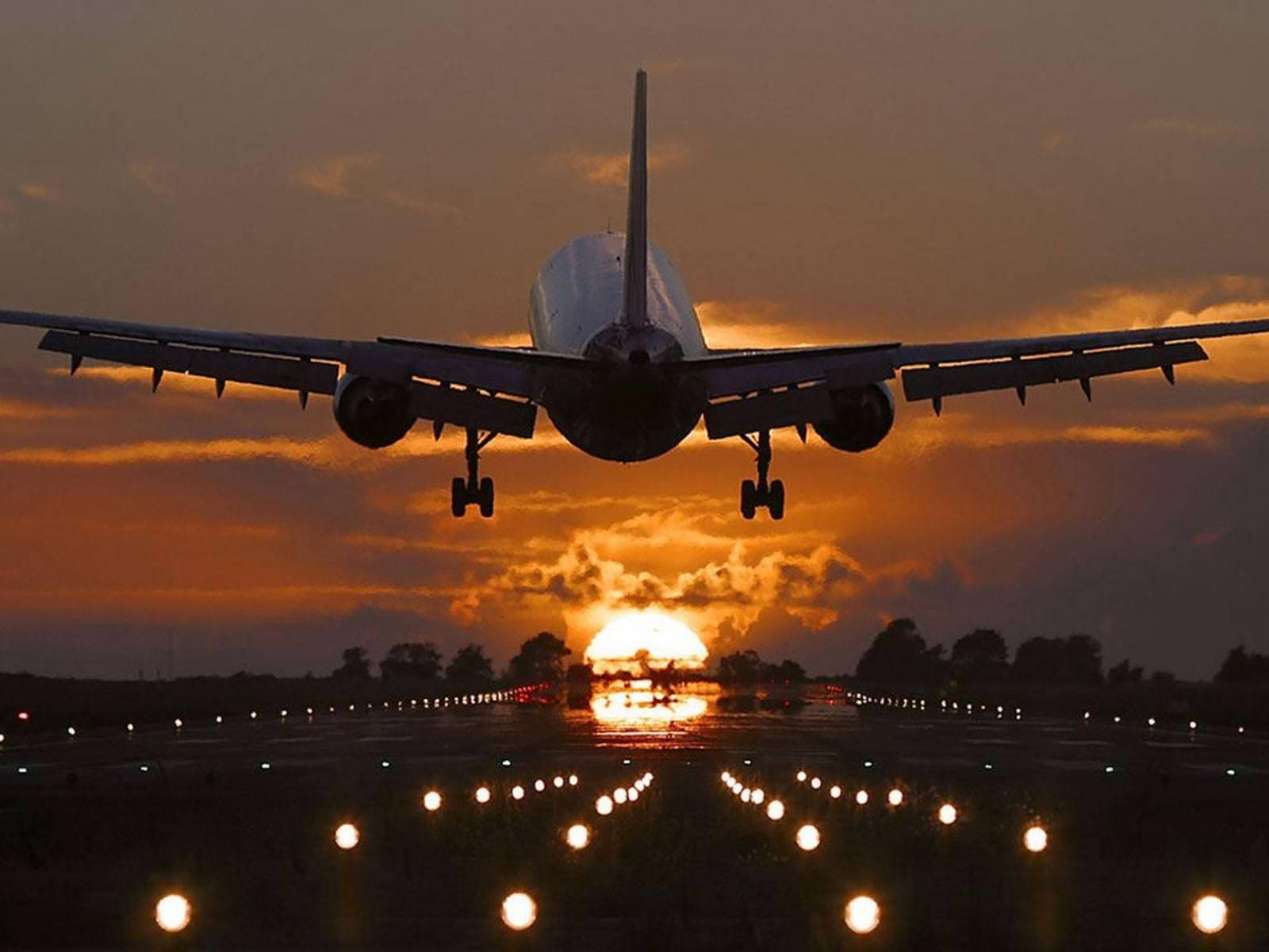 v_aeroportu_1600x1200